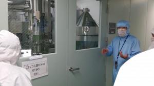 エチゾラム錠の湿式造粒室の工程を聞いています。